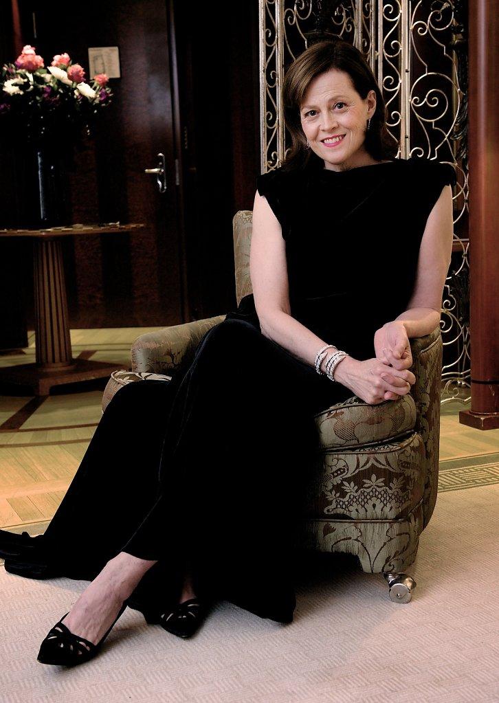 Sigourney Weaver in Ihrer Suite im Hotel Adlon