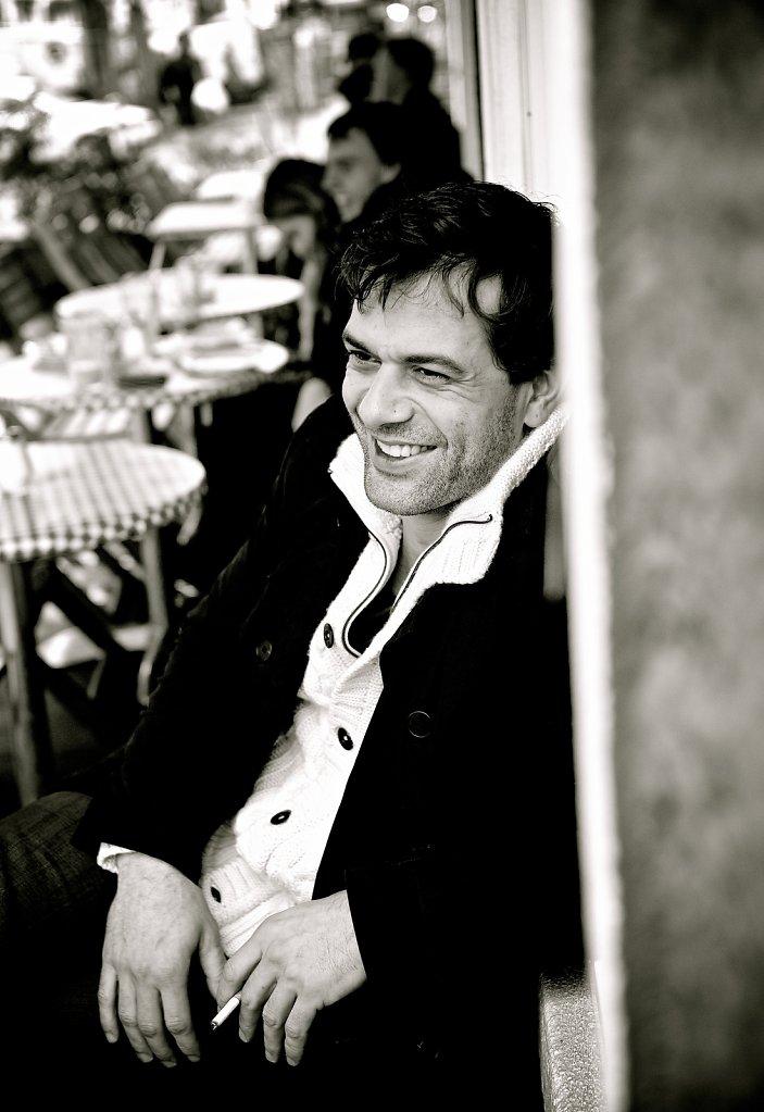 Schauspieler Kai Schumann im Café Fleury und auf dem Spielplatz am Weinberg Park